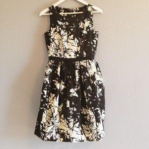 Taylor Poofy Dress Black & White